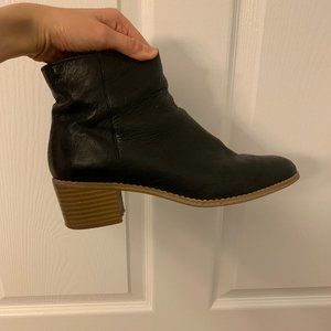 Clarks leather ankle boots  US 8 (black)